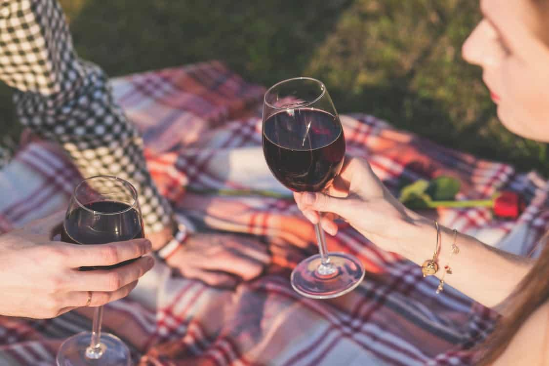 Picnic - Budget Dates Ideas - Wallet Moth
