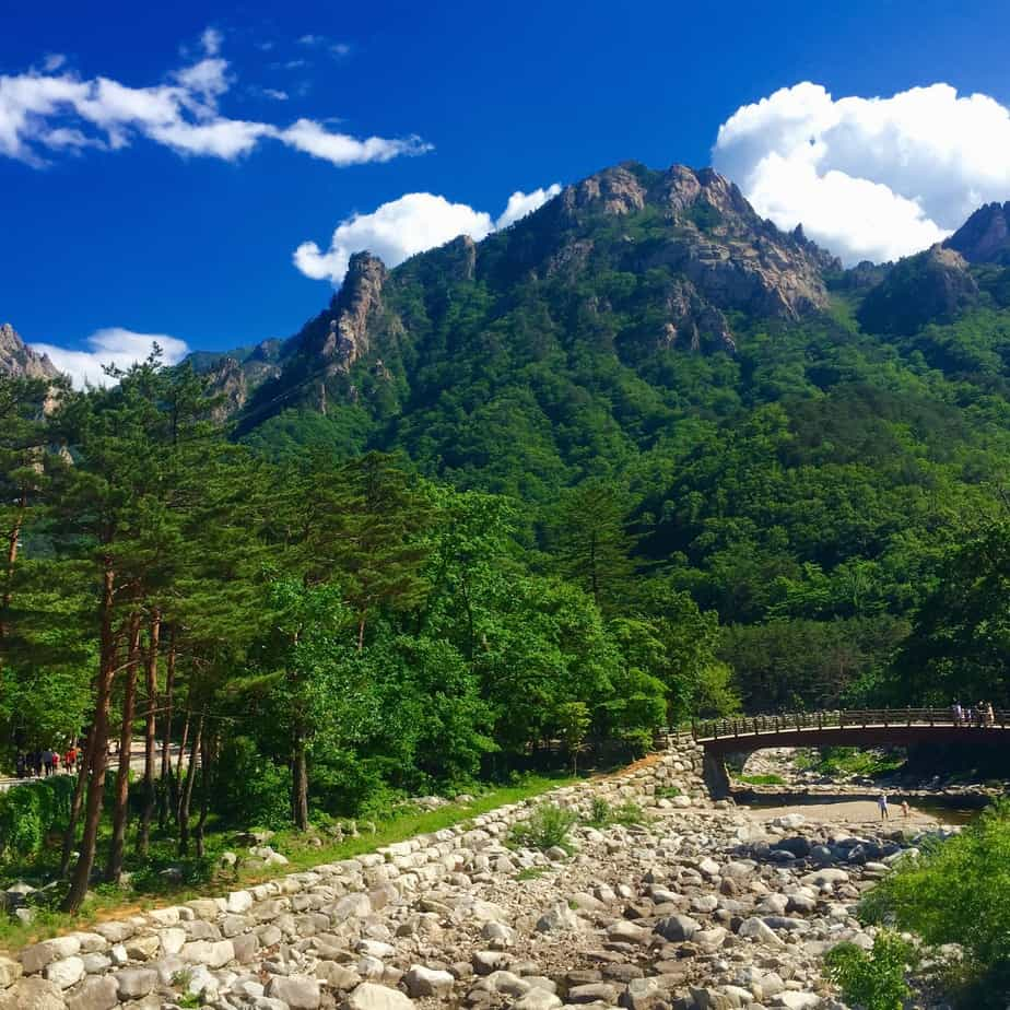 How to make budget travel your best trip yet: a cheap trip to the stunning Seoraksan national park