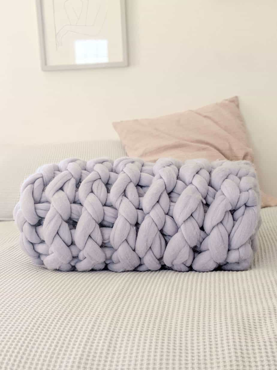 How to make a chunky knit blanket: make money online selling crafts on Etsy.