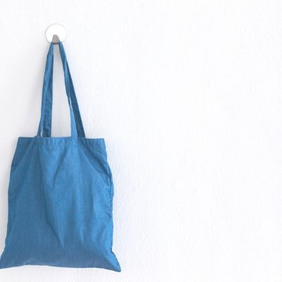 shopping bag: guide to how to shop like a minimalist
