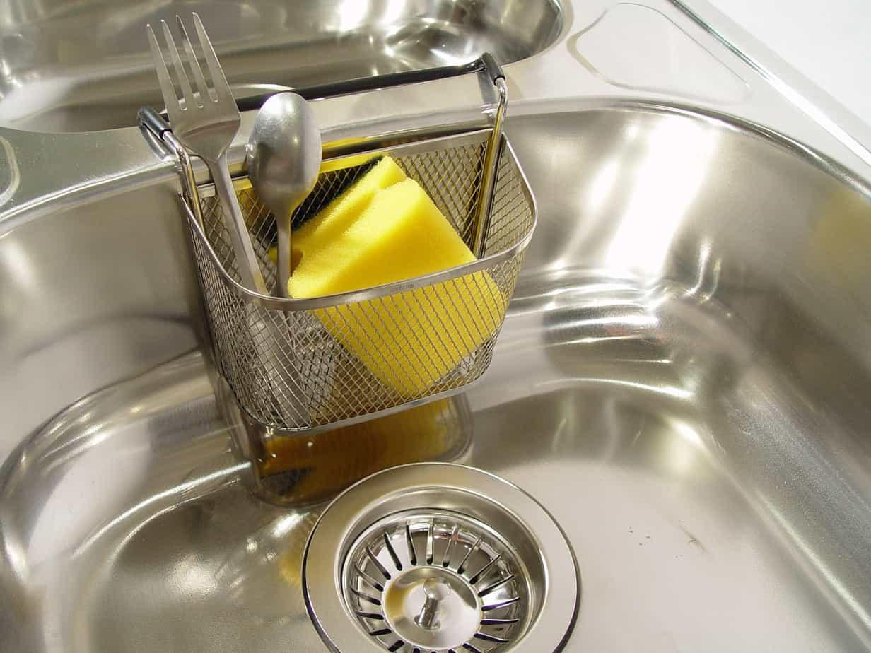 Kitchen organization ideas: sink caddy
